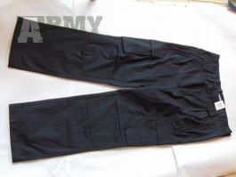 Letní černá dvojdílná policejní kombinéza – kalhoty a blůza