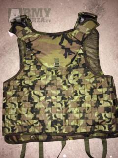 Různé originální vesty i s pláty