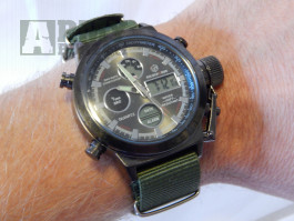 Masivní pánské  military hodinky Jäger s LCD displejem moderní pásek 30 m vodotěsné, pásek hodinek je latkový (nylon). zobrazení času, týden, měsíc, d
