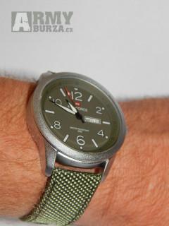 Velké pánské ocelové hodinky Naviforce 30 m vodotěsné, mám ve zlatem nebo střibrném provedení. zobrazení času, datumu (obsahují quartz hodinový stroje
