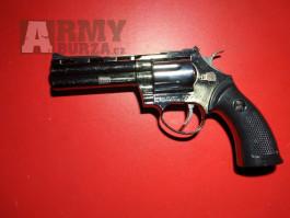 Pistole revolver jako zapalovač