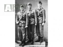 SHÁNÍM MILITARIE ČSLA DO ROKU 1964 UNIFORMY A PŘEVLEČNÍKY