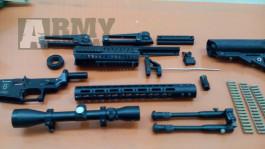Směska dílů a vybavení pro M4