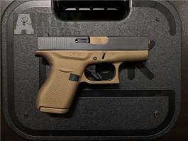 Koupit Glock 42 Burnt Bronz online.