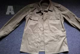 Zelená uniforma vz. 85 + pásek a pláštěnka