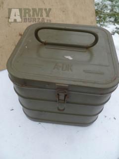 Plechové krabice od odmořovacích souprav .