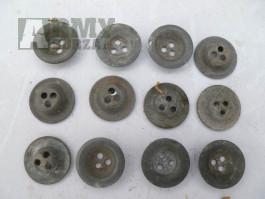 Kovové knoflíky ,17 mm , Wh , II světová válka .