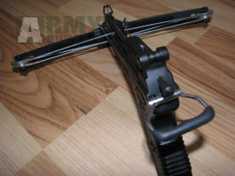 Kuše pistolová nová,  efektivní vzdalenost 56m