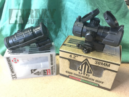 """UTG Leapers Red / Green Dot 4.2"""" + 3x Magnifier"""