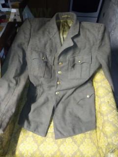 Predám uniformu kopriváky 50. Roky dôstojnícku