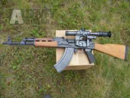 M-70 jugoslávský AK 47 s optikou.