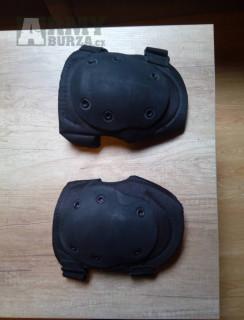 Chrániče kolen Blackhawk černé