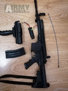 Prodám airsoftová zbraň M4