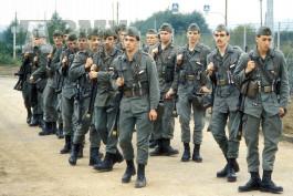 Koupím uniformy a výstroj Bundeswehr BW