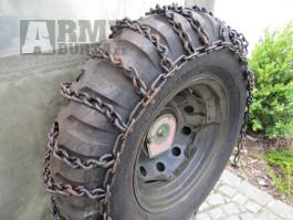 Sněhové řetězy na vojenská vozidla