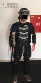 Zasahový / taktický oblek vhodný např. pro airsoft scénáře
