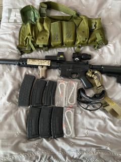 Airsoftová zbraň + příslušenství