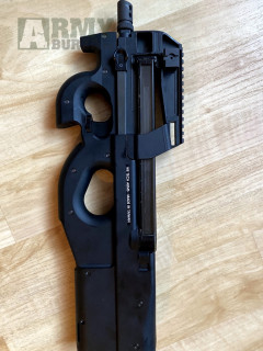 P90 plyn