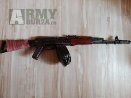 AK 74 od EftL..s bubnovým zásobníkem