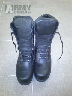 Boty AČR vz. 2000 zimní, zateplené. Velikost 295, odpovídá 44.Prodám nové boty AČR vz. 2000 zimní, zateplené. Velikost 295, odpovídá 44.