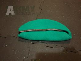Baret zelený