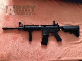 Airsoft M4 Specna Arms + taktická vesta