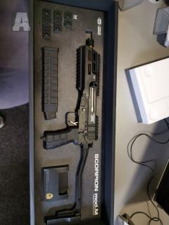 TM Scorpion MOD.M, 4x baterie a nabíječka