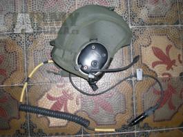 Helma do vozidla BOSE sluchátka GENTEX mikrofon komunikační