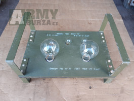Deska s náhradními žárovkami - z výstroje ČSLA