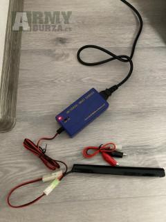 Nabíječka NiMH bateriii  + baterka 8,4V