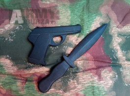 Gumová cvičná pistole a nůž AČR ČSLA model CZ 50/70