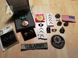 US Army odznaky + nášivky