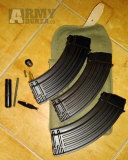 Sumka se zásobníky pro AK47+ čištění