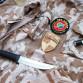 Oděvy, nášivky, nůž, příslušenství ke zbraním